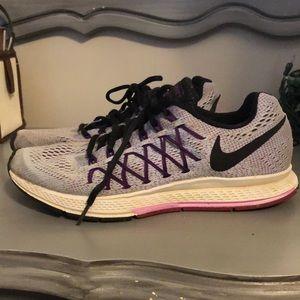 Nike Zoom Pegasus 32 Tennis Shoes